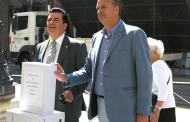 """FENAMIX Y ANAPAL ENTREGAN EN EL MINISTERIO DE HACIENDA 210.000 FIRMAS CONTRA EL GRAVAMEN DEL 20% SOBRE LOS PREMIOS DE LAS """"LOTERÍAS"""""""